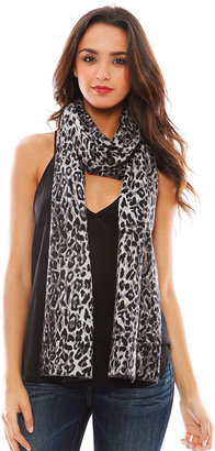 Minnie Rose Cashmere Leopard Print Scarf in Shark Combo