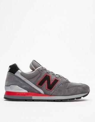 New Balance 996 in Dark Grey