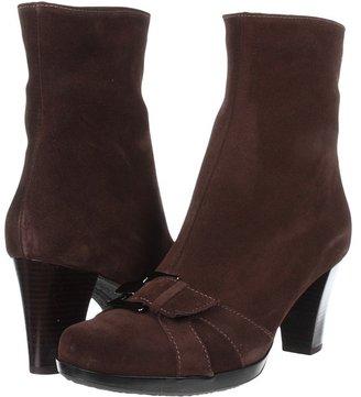 La Canadienne Prue (Brown Suede) - Footwear