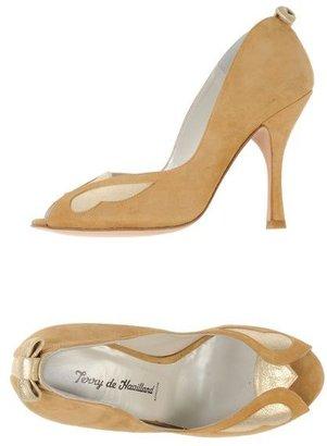 Terry De Havilland Pumps with open toe