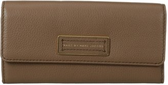 Marc by Marc Jacobs Too Hot To Handle Long Trifold