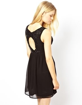 Yumi Open Back Dress With PU Flower embroidery - Black
