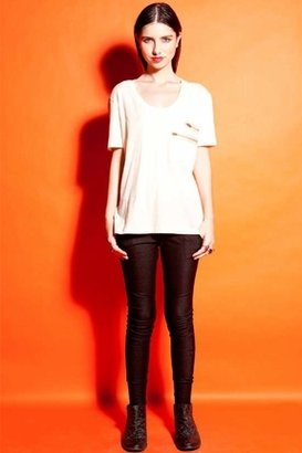 LnA S/S Double Zipper Pocket Tee in Pearl