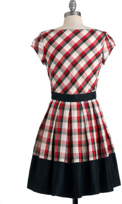 Dear Creatures Life is a Maize Dress in Plaid