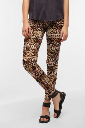 Truly Madly Deeply Leopard Lines High Rise Legging