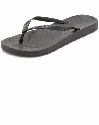Ipanema Ana Flip Flops $20 thestylecure.com
