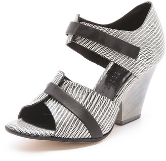 Zero Maria Cornejo Edi Sandals