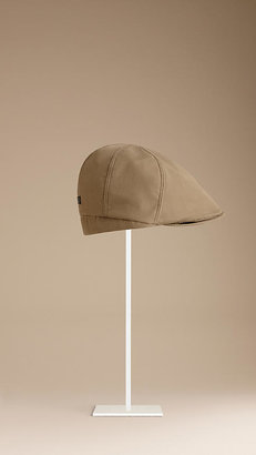 Burberry Check-Lined Flat cap