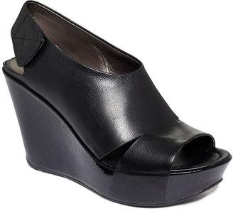 Kenneth Cole Reaction Women's Shoes, Your Sole Platform Wedge Sandals