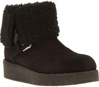 Marc Jacobs fleece lined boots
