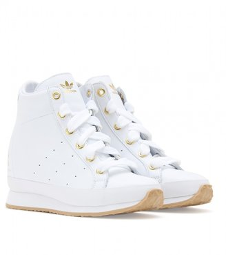 adidas by O.C HONEY TENNIS LEATHER WEDGE SNEAKERS