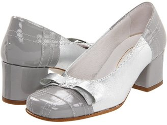 Shoe Be Doo 4110 (Toddler/Youth/Adult) (Cream Patent/ Pearl Leather) - Footwear