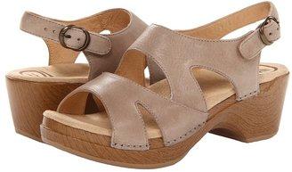 Dansko Scarlett (Sand Dollar Soft Full Grain) - Footwear