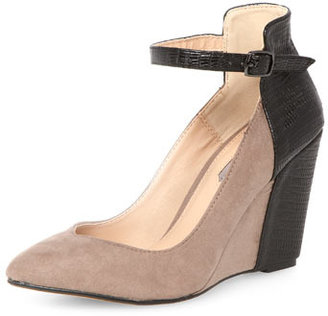 Dorothy Perkins Taupe and black pointed wedge