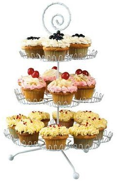 Boston Warehouse Cupcake Stand (18-c.)