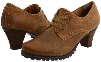 SoftWalk Dani (Wheat Distressed Suede Leather) - Footwear