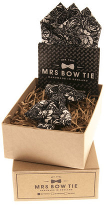 Mrs Bow Tie Bow Tie Set Black Roses