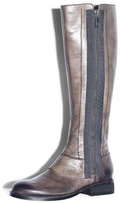 Vince Camuto Finny Boot