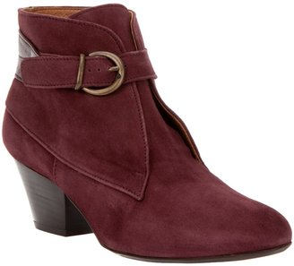 Sessun Buckle ankle boot