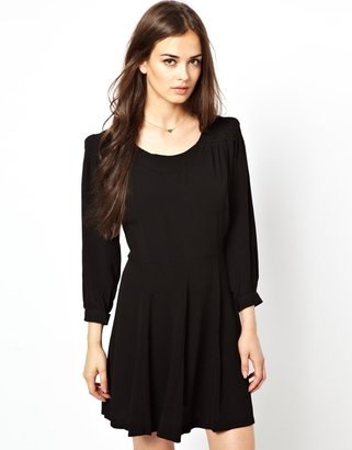 Dress Gallery Smock Dress with Bow Detail