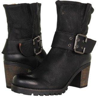 Eric Michael Margie (Black) - Footwear