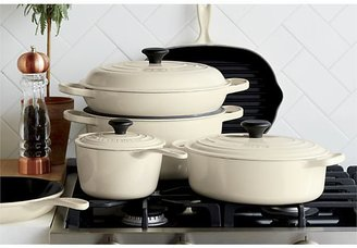Crate & Barrel Le Creuset ® Signature 5.5 qt. Round Cream French Oven with Lid