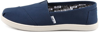 Toms Classic Canvas Slip-On, Navy, Youth