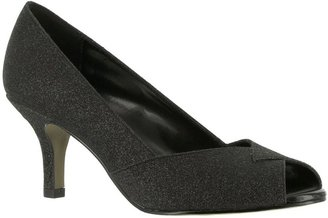 Easy Street Shoes Ravish Peep-Toe Evening Pumps