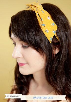 Through the Wire Headband in Flower Buds