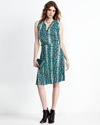 BCBGMAXAZRIA Python-Print Pleated Skirt Dress