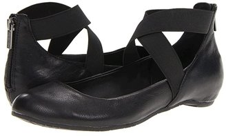 Kenneth Cole Reaction Pro-Time (Black) Women's Flat Shoes
