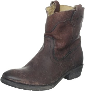 Frye Women's Carson Lug Short Boot