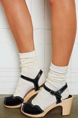 Crooked Wave Kurze Socken mit geflocktem Punktmuster
