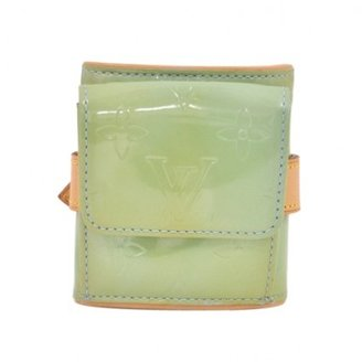 Louis Vuitton very good (VG Blue Vernis Leather Lafayette Street Bracelet/Coin Case