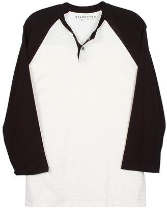Velvet Roger Slub Henley with Contrast Sleeve in Crema/Black