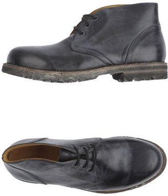 Cavallini High-top dress shoe