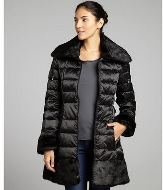 Laundry by Shelli Segal black quilted belted down jacket with faux fur collar