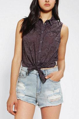 Kimchi & Blue Kimchi Blue Burnout Sleeveless Button-Down Shirt