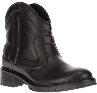 Fendi round toe boot
