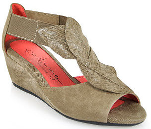 Pas De Rouge E931 Nori - Peep Toe Wedge Sandal in Taupe Suede
