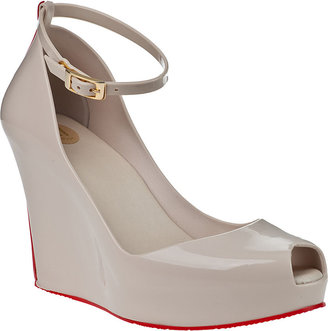 Melissa Patchuli-V Wedge Pump Beige Rubber