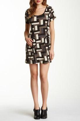 Papillon Short Sleeve Geometric Dress