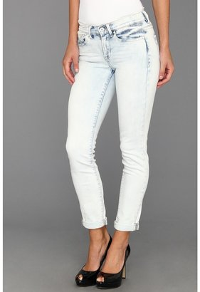 Calvin Klein Jeans Ultimate Skinny Ankle Roll Vintage Comfort Stretch Jean in Fresh Blue Wash (Fresh Blue Wash) - Apparel