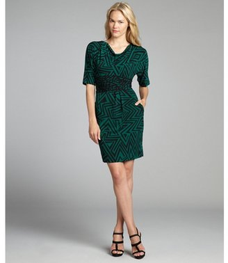 Taylor emerald printed stretch jersey knit 3/4 sleeve ruched waist dress