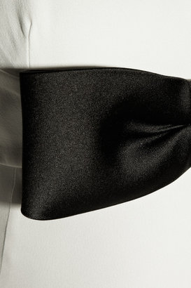 Alexander McQueen Bow-detailed crepe gown