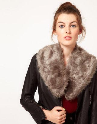 Pieces Fane Faux Fur Collar