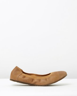 Walnut Melbourne Ava Leather Ballet Flats