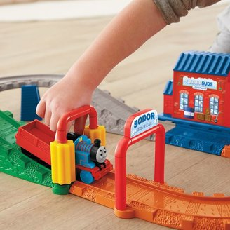 Fisher-Price Thomas & Friends Thomas' Wash Down Delivery Set by