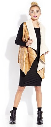 Forever 21 FOREVER 21+ Southbound Faux Shearling Vest