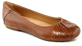 Earth Bellwether Leather Flats $95 thestylecure.com